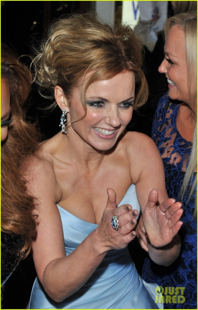 spice-girls-attend-viva-forever-press-night-02