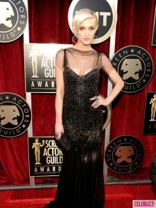 Ashlee-Simpson-at-the-2012-SAG-Awards-4-435x580