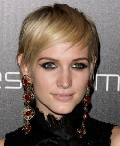 Ashlee-Simpson-Short-Summer-Hairstyles-2012