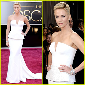 charlize-theron-oscars-2013-red-carpet