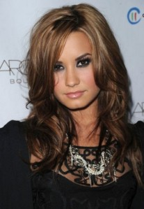 Demi-Lovato-Hair-Color-For-2013-440x637