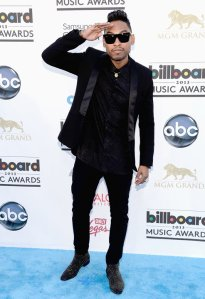 Miguel-2013-Billboards-Red-Carpet-Arrivals