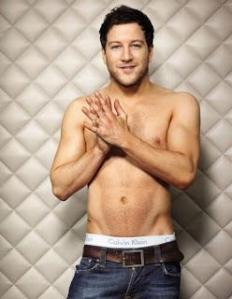 25662661_loving-you-il-nuovo-video-di-melanie-matt-cardle-1