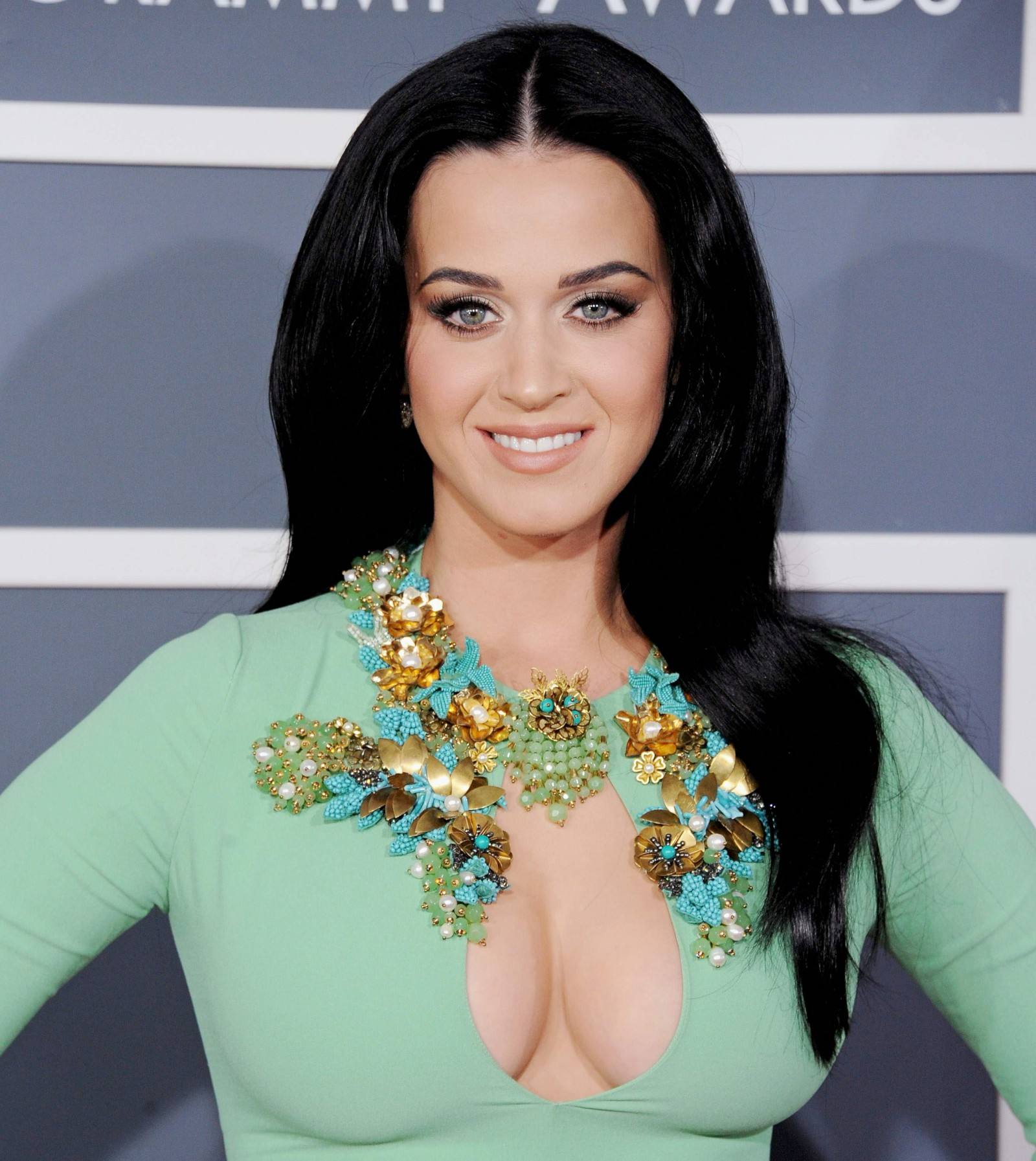 "Katy Perry: KATY PERRY E I 4 TRAILER PER ""ROAR"" , IL NUOVO ATTESISSIMO"