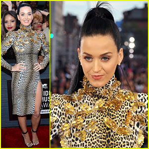katy-perry-mtv-vmas-2013-red-carpet-new