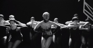 lady-gaga-applause-video-dance-routine