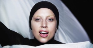 lady-gaga-applause-video-natural-look