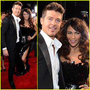 robin-thicke-paula-patton-mtv-vmas-2013-red-carpet