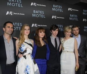 Bates Motel Cast: L-R Nestor Carbonell, Nicola Peltz, Olivia Coo