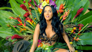 katy-perry-roar-video-620x350