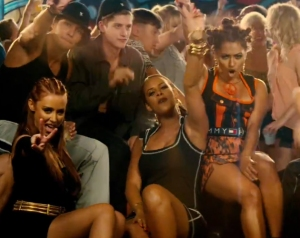 the-saturdays-disco-love-video