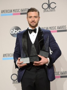 6bda086e030 one-direction-amas-2013-red-carpet timberlake-amas2013